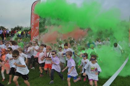 Two Tunnels Colourburst colour run
